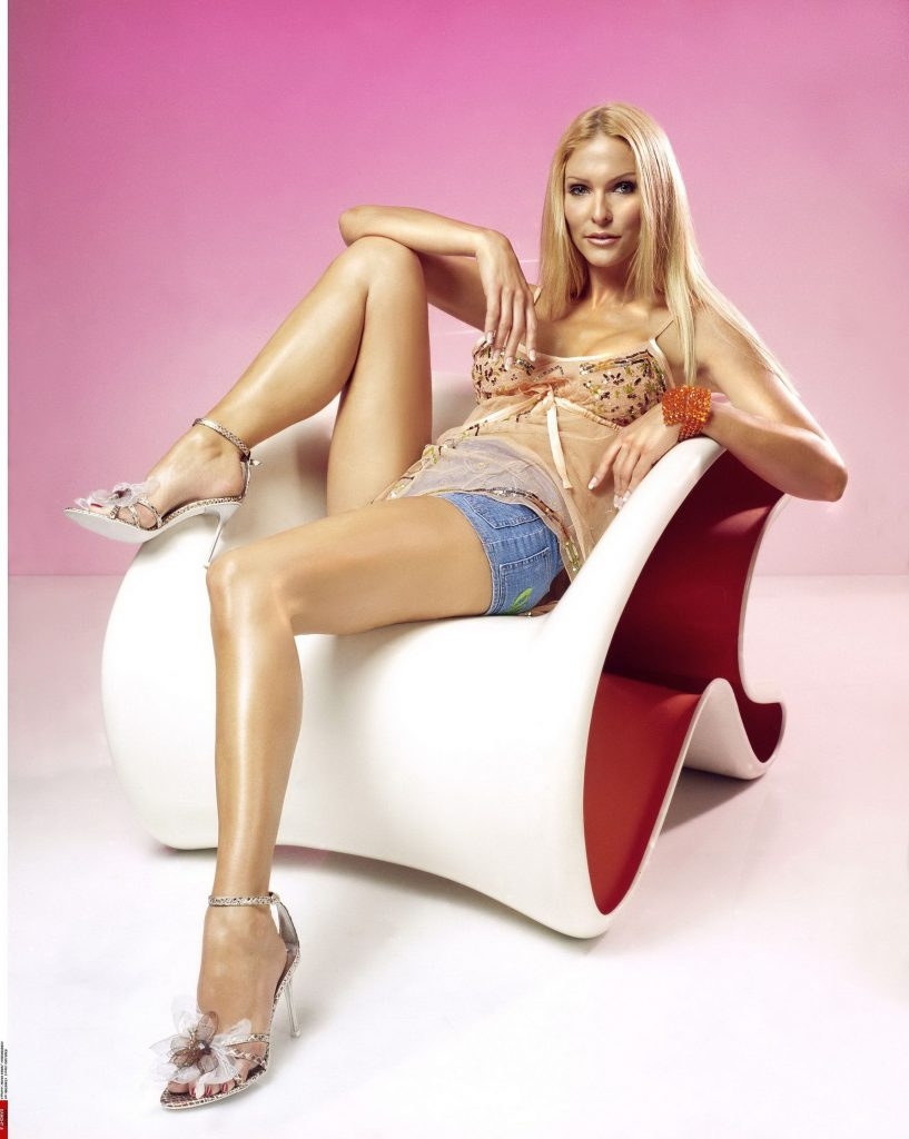 Long Legged Blonde With Ice Cold Look - Walthamstow Escorts